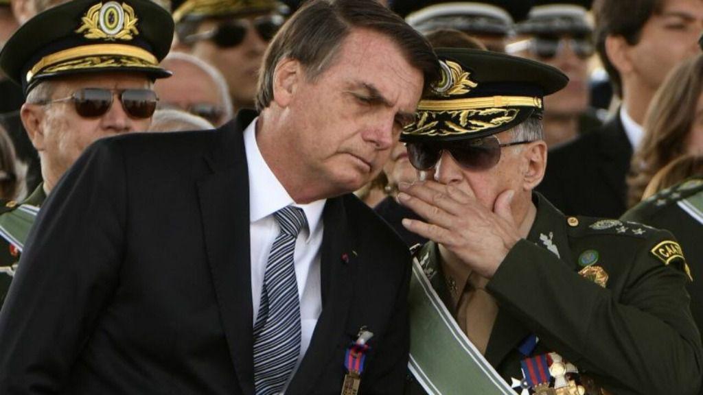 Cada vez son más funcionarios militares en la administración de Brasil / Foto: WC