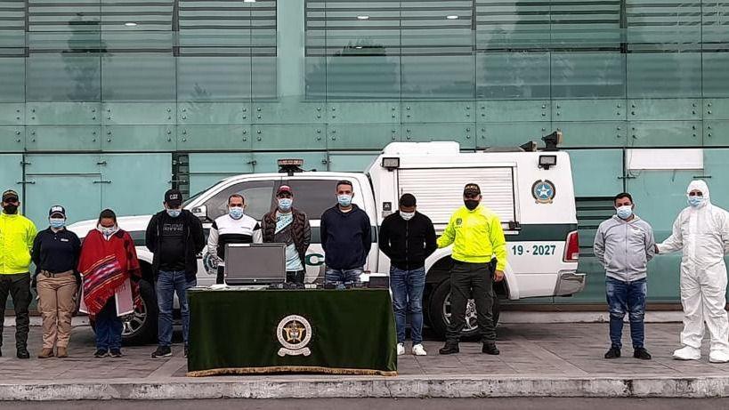 Este grupo ilegal falsificaba pasaportes y traficaba con venezolanos / Foto: Policía de Colombia