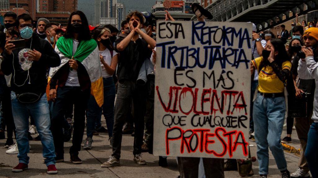 La reforma tributaria no es sólo el motivo del paro nacional / Twitter: @Dinopensadora