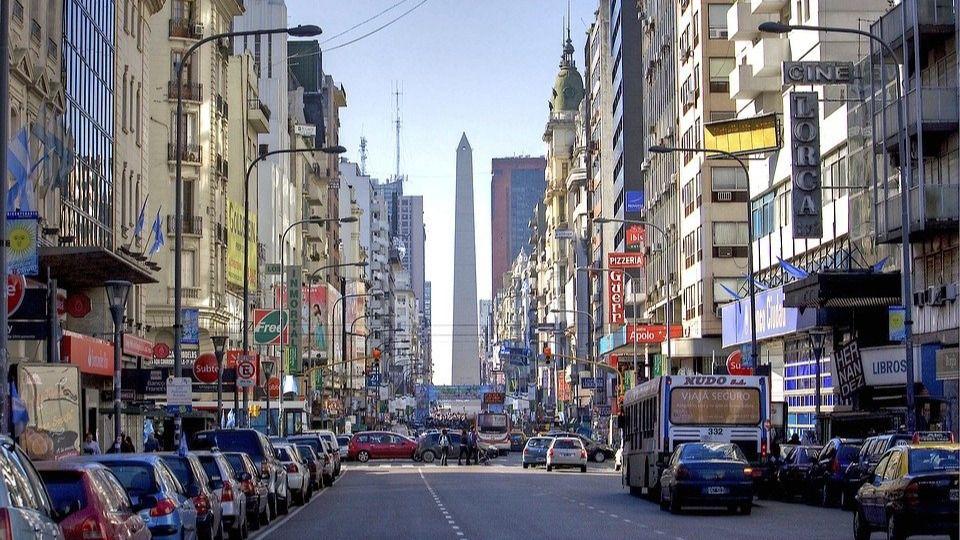 El salaro actual ronda los 280 dólares en Argentina / Foto: Pixabay
