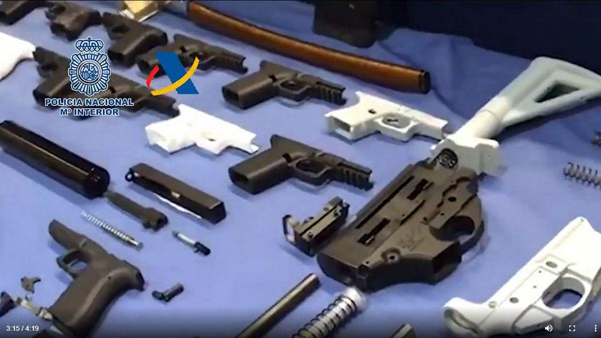 Estas son algunas de las armas confiscadas al exmilitar / Foto: Policía