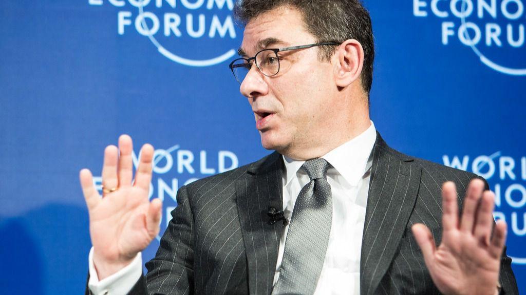 El CEO de Pfizer dice que el problema de las vacunas está en la lentitud de la producción / Foto: WC