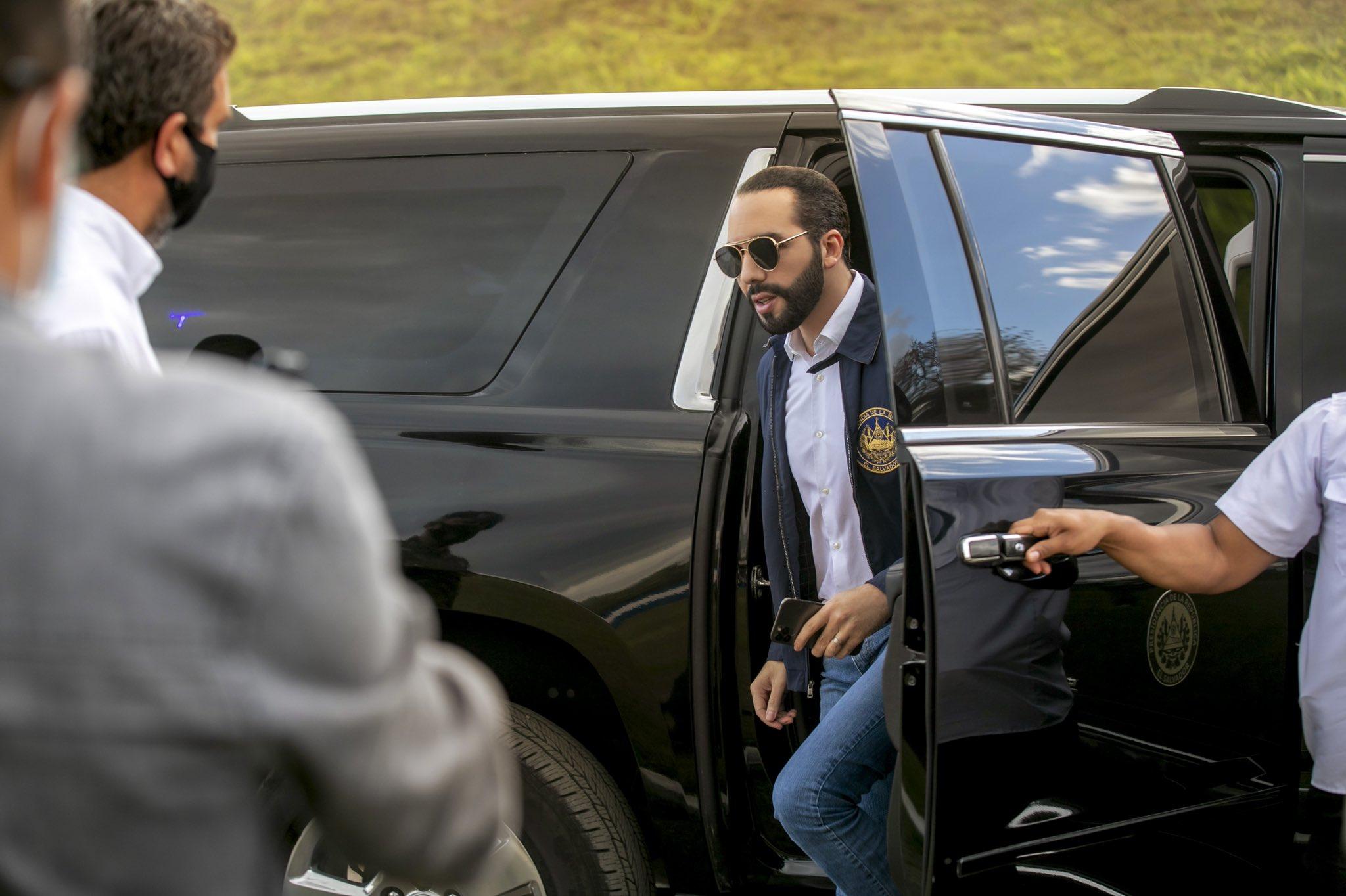 De un solo golpe Nayib Bukele concentró todo el poder en El Salvador / @nayibbukele