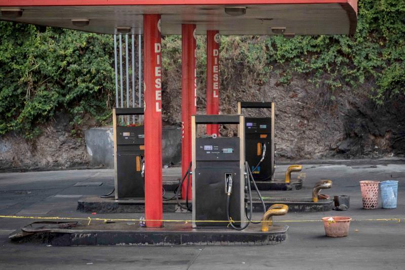 El escasez de gasóleo está dejando vacíos los anaqueles en Venezuela.