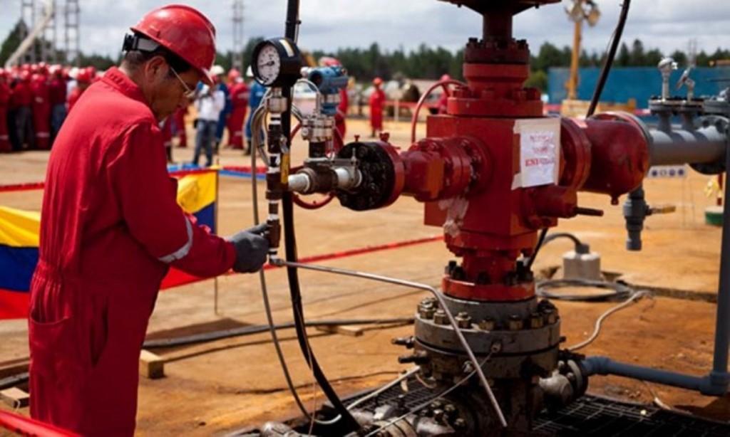 """Un """"impuesto ambiental chino"""" amenaza con recortar los ingresos de Venezuela."""