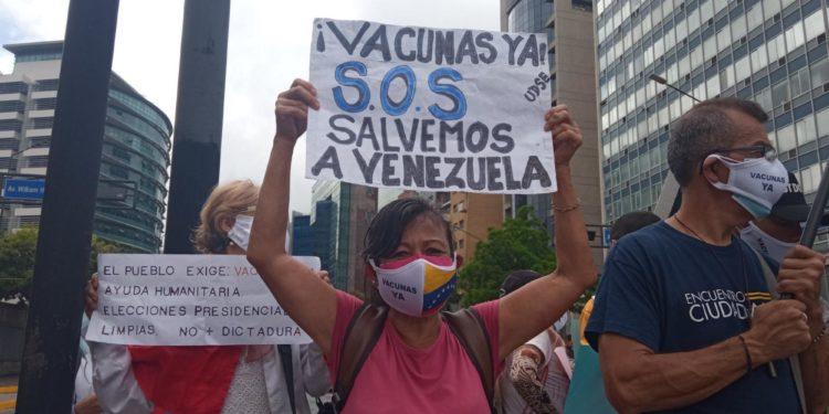 Los gremios médicos de Venezuela volvieron a pedir en las calles vacunas anticovid.