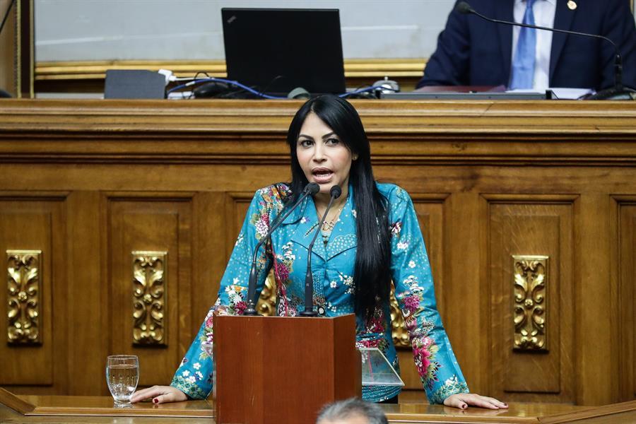 """Los crímenes en Venezuela """"van desde el asesinato hasta la tortura contra una población determinada"""", señala Delsa Solórzano."""