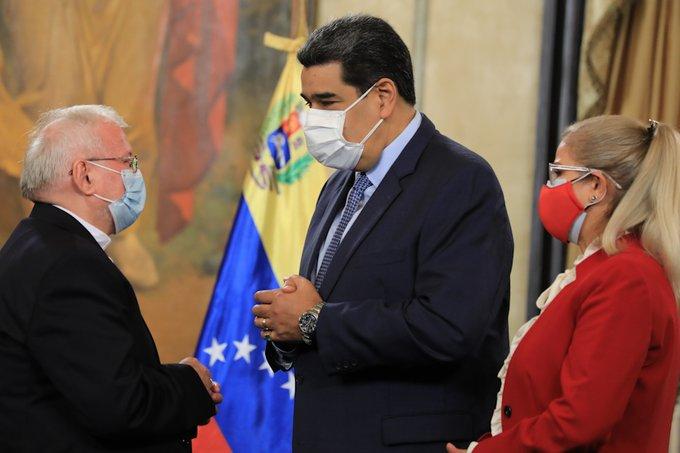 El Nuncio se despidió de Venezuela tras ser transferido por el Vaticano.Foto: Prensa Miraflores