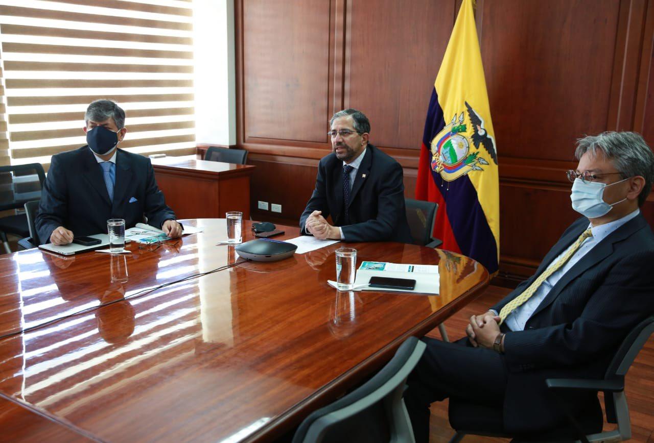 Ecuador respaldará todas las acciones que conduzcan a destrabar la crisis venezolana.