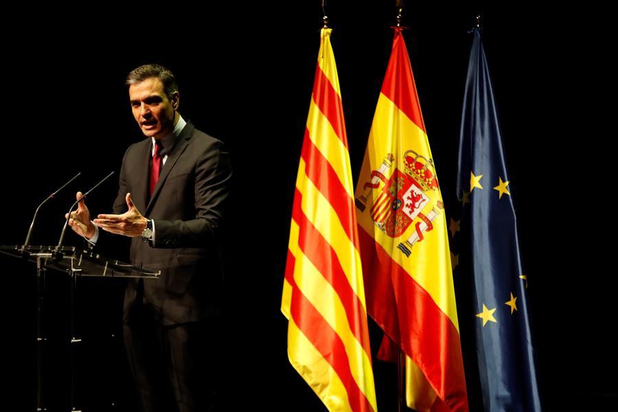 """El presidente del Gobierno, Pedro Sánchez, pronuncia en el Teatre del Liceu de Barcelona la conferencia """"Reencuentro: un proyecto de futuro para toda España""""."""