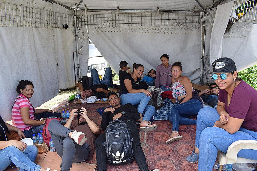 Al menos seis mil venezolanos en Trinidad y Tobago quieren volver a su país.