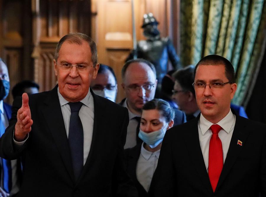 Los ministros de exteriores de Rusia y Venezuela, Sergei Lavrov y Jorge Arreaza, respectivamente.