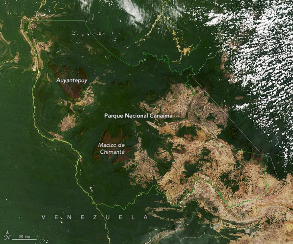 El Espectrorradiómetro de imágenes de media resolución (MODIS, por sus siglas en inglés) del satélite Terra de la NASA capturó la imagen del parque el 25 de febrero de 2019.
